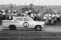 """Simca de Scherner e Castilho, campeões da primeira edição da """"Cascavel de Ouro"""" em 1967. Foto: Gazeta Esportiva."""