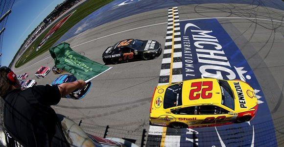 NASCAR – Logano dominou a etapa de Michigan e encerrou o jejum de vitórias na Nascar – 2016