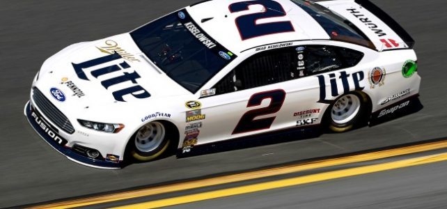 NASCAR – Evitando pane seca Keselowski leva a vitória em Kentucky – 2016