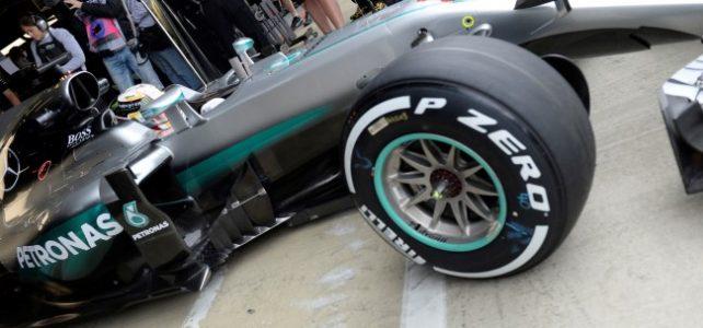 FÓRMULA 1 – Sem Nico na pista, Hamilton reinou absoluto em Silverstone nessa sexta-feira