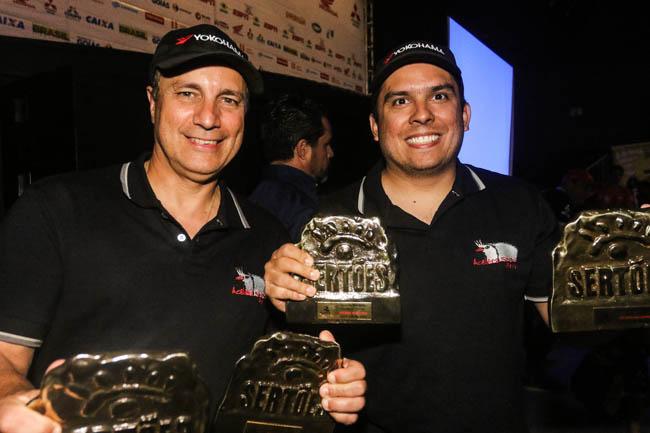 Facco e Ribeiro foram Campeões na Pró Brasil no Rally dos Sertões 2015. - Foto: Sanderson Pereira.
