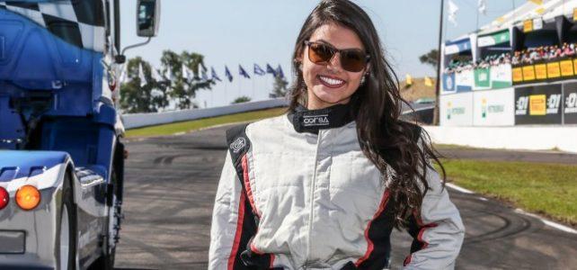 BATE PAPO NAS PISTAS – Conheça Thais Fontoura a Pace Truck da Fórmula Truck – 2016