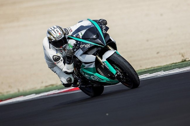 Loris Capirossi pilotando a MotoE - Foto: MotoGP.com