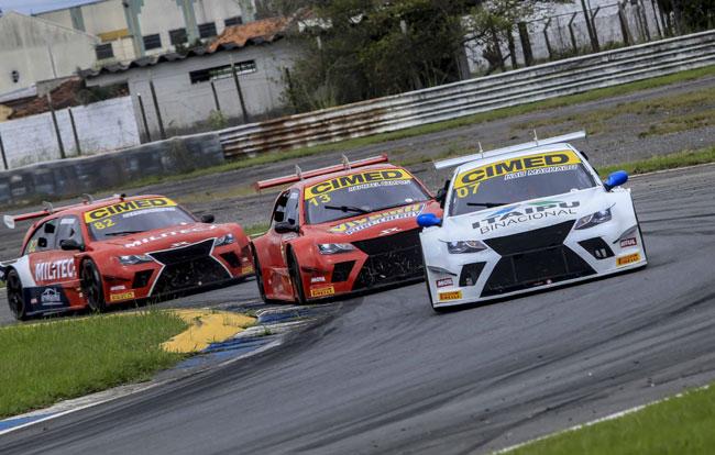 Disputa entre Kau Machado e Rapha Campos - Sprint Race - Foto: Luciano Santos/Sigcom