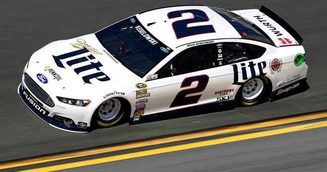 Ford Fusion de Brad Keselowski - Foto: Getty Images / Brian Lawdermilk