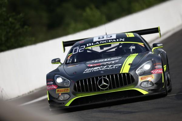 Clemens Schmid, e seu Mercedes-AMG nº 85 do time HTP Motorsport, levou a pole position nessa sexta feira. - Foto: Blancpain GT Series.