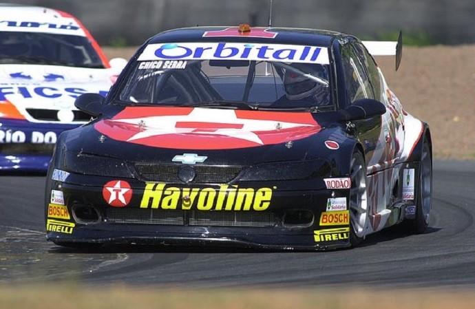 Chico Serra em ação na Stock Car em 2001, ano de seu tricampeonato.