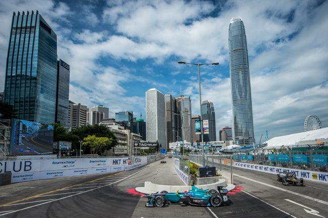 Destaque para o carro de Nelsinho Piquet no ePrix de Marrakesh. - Destaque também para a pintura feita pelo grande fotografo José Mário Dias.