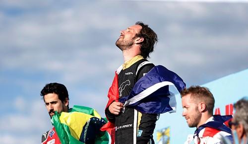 Pódio Uruguai - Vergne, Di Grassi e Bird - Foto: Site Oficial Formula-E