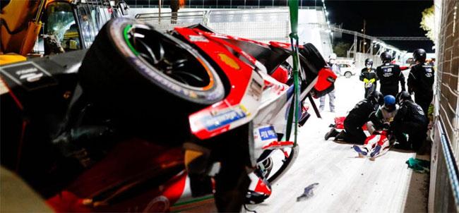 Foto: Acidente de Alex Lynn - ePrix da Arábia Saudita - Fórmula E (Créditos: Fórmula E)