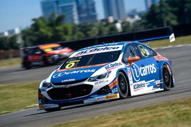 Cacá Bueno da Crown Racing é o POLE POSITION da Stock Car em Goiânia 2021! Foto: Instagram: Instagram Stock Car