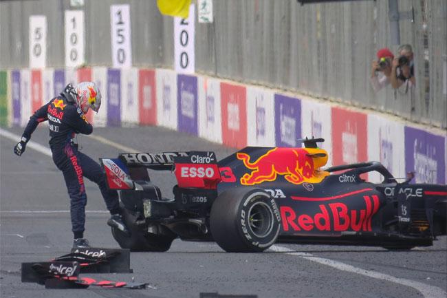 Max Verstappen bateu quando faltavam 5 voltas para o final - GP do Azerbaijão - 2021 - Foto: Twitter Fórmula 1
