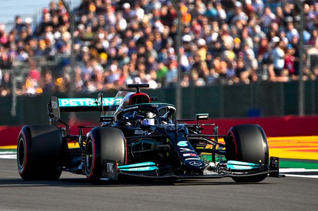 Lewis Hamilton foi o mais rápido na classificação em Silverstone - Fórmula 1 2021 - Foto: Mercedes F1 AMG Twitter